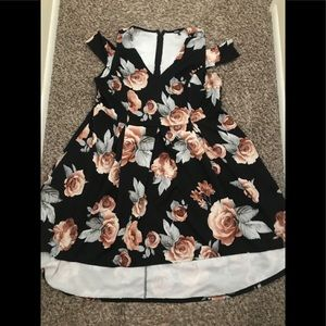 🚨PRICE DROP CHARLOTTE RUSSE High/Low Floral Dress